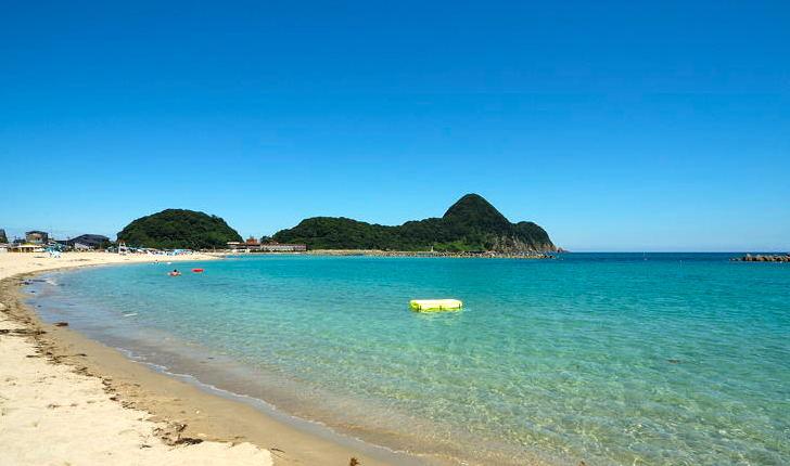 【沖縄より綺麗な海教えたるわw】これが兵庫の竹野ブルーや!