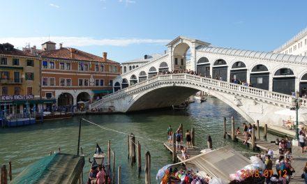 【爆食爆飲イタリアの旅②】ヴェネチア絶品のイカスミパスタ