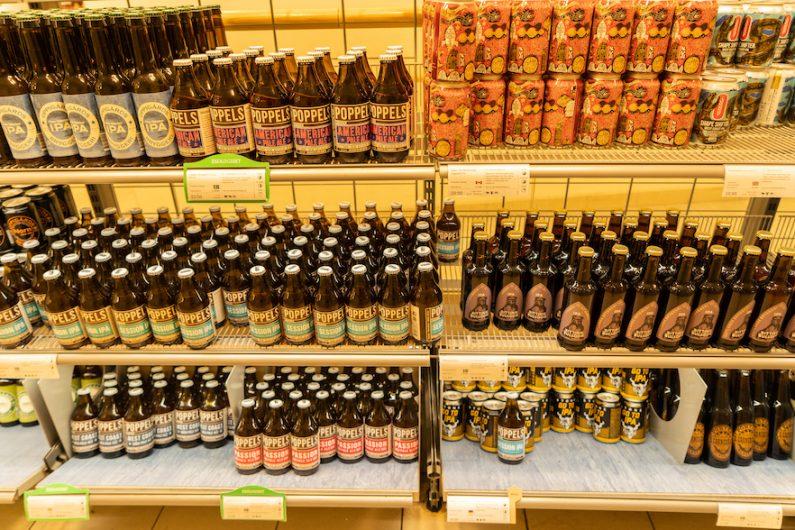 【ビール1杯¥1,500?】「スウェーデンでアルコールは高い」という偽情報を斬る!