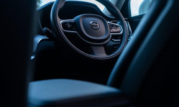 【Volvo New V60】インテリアの色は何がいい?-ブラック(本革レザー)編-