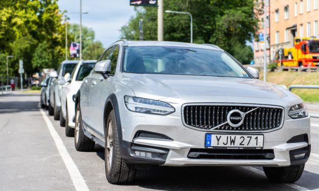 【本国スウェーデン情報】Volvo V60 の一番熱いラインは実は