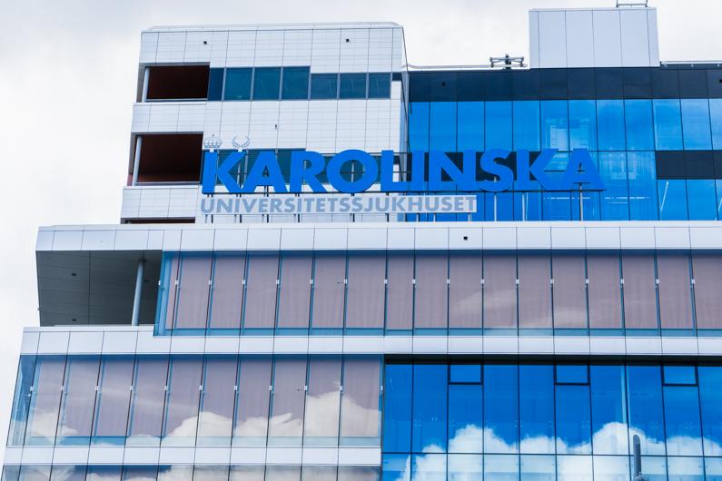 【北欧最高峰の医大】カロリンスカ研究所のガラス張りビルは絶対見ておくべきスウェーデン建築物