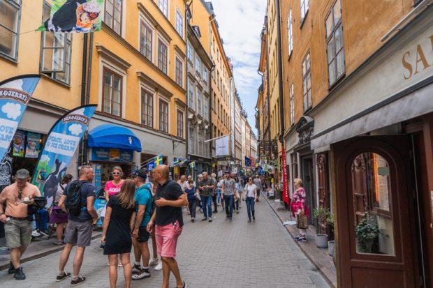 スウェーデン独自の新型コロナウイルス対策をあなたはどう見ますか?