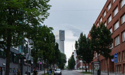 【北欧建築】スウェーデン・ストックホルム郊外にそびえ立つキスタの光るタワー