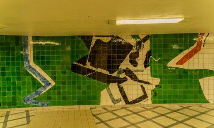 【ストックホルム地下鉄アート・番外編】色々な駅で見られるタイルワークについて