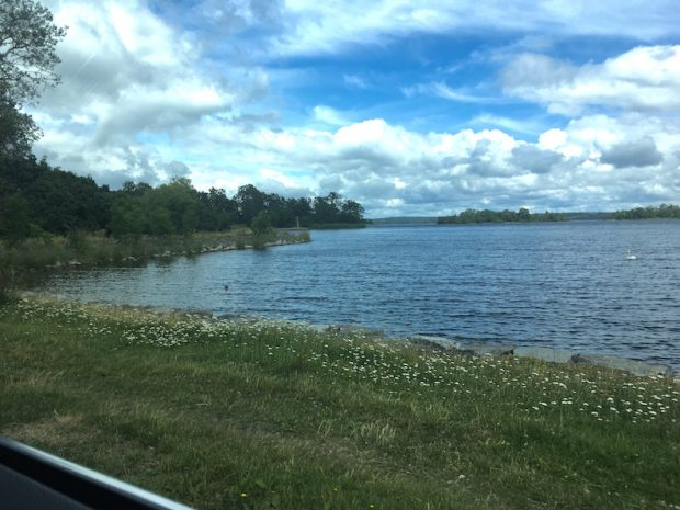 【ストックホルムドライブ】Djursholm の城沿いを走る