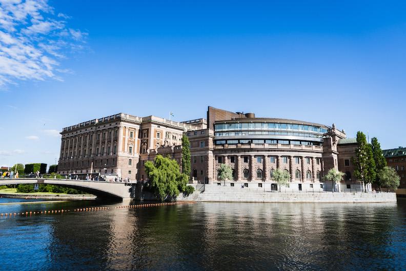 スウェーデンの要塞過ぎる国会議事堂は北欧建築の象徴!